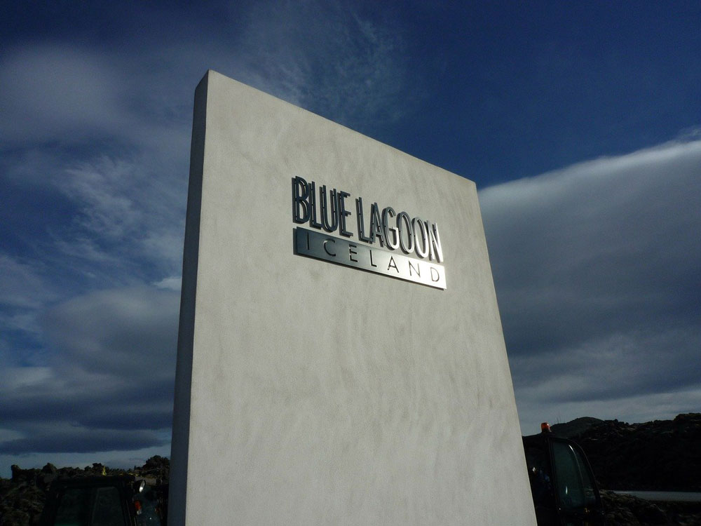 sign for blue lagoon iceland