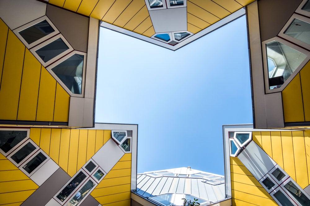 cube-house-rotterdam-looking-up-towards-sky