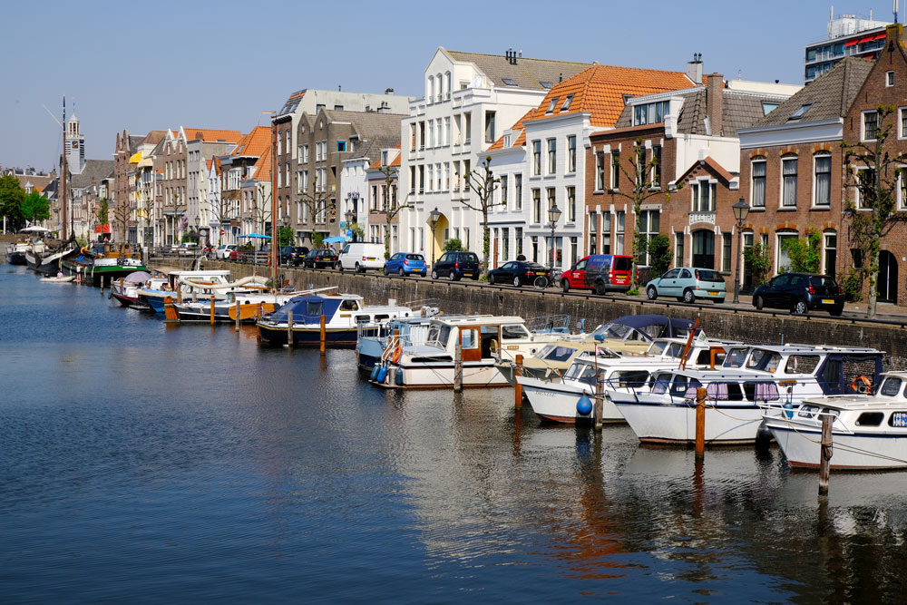 Buildings lining the canal of delfshaven shoud be seen if you have nore than one day in Rotterdam
