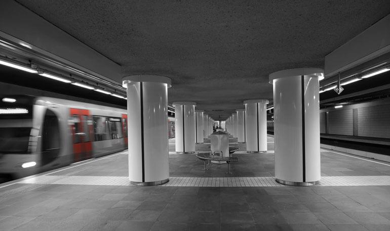 maconi-place-metro-station-rotterdam