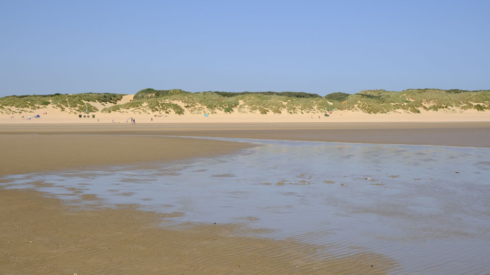 camber sands beach at low tide