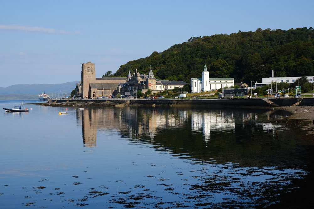 church-oban-with-bay-in-foreground