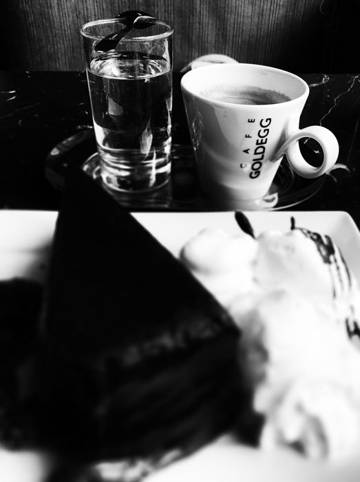 coffe-and-cake-at-cafe-goldegg-vienna