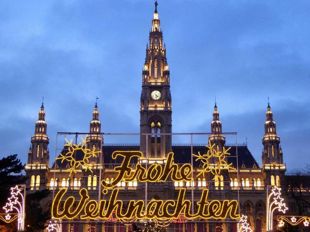 rathaus-vienna-on-christmas-dau