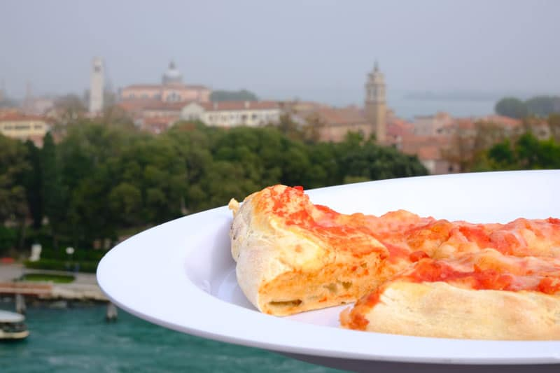 a-venice-and-pizza