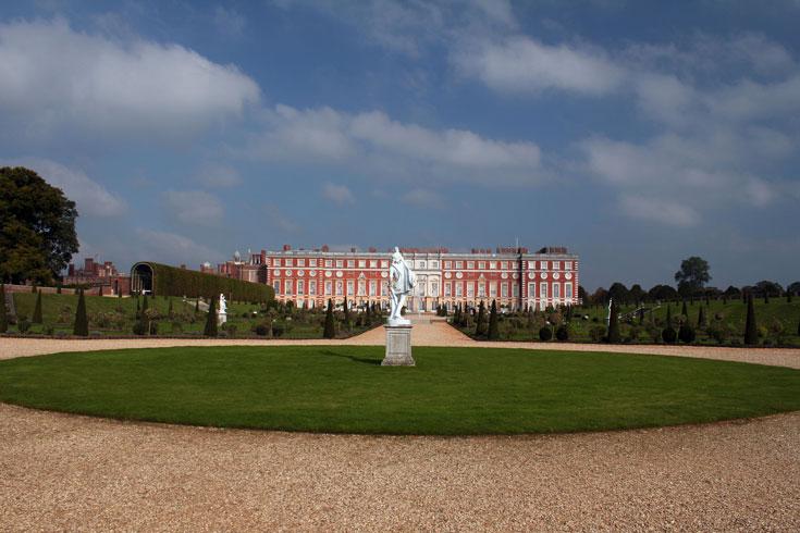 hampton-court-palace exterior