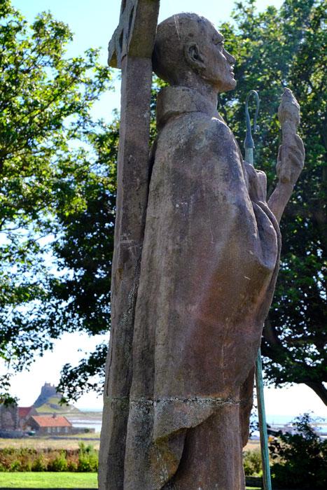 st-aiden-sculpture-in-st-marys-churchyard-lindisfarne-