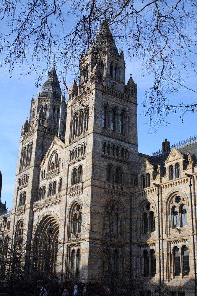 exterior ofnatural-history-museum-london