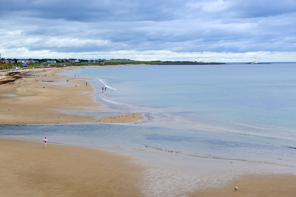 broad sandy beach approaching whitley bay
