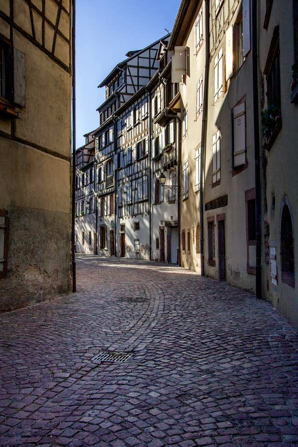 gabled-buidlings-in-tanners-quarter-colmar-france