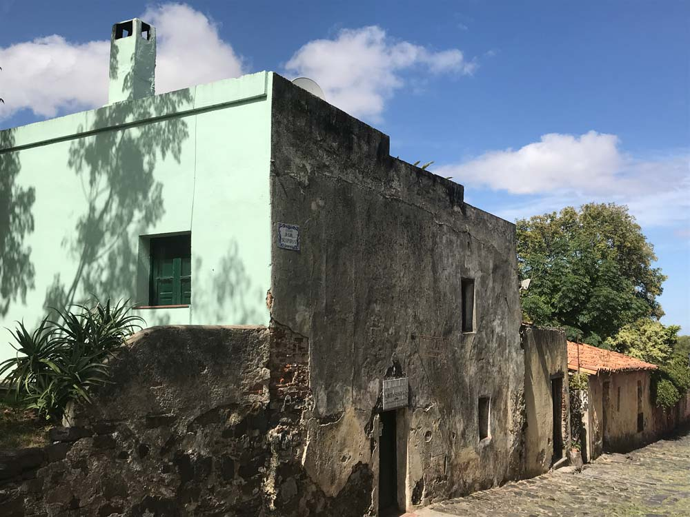 colonial houses on a street in colonia uruguay