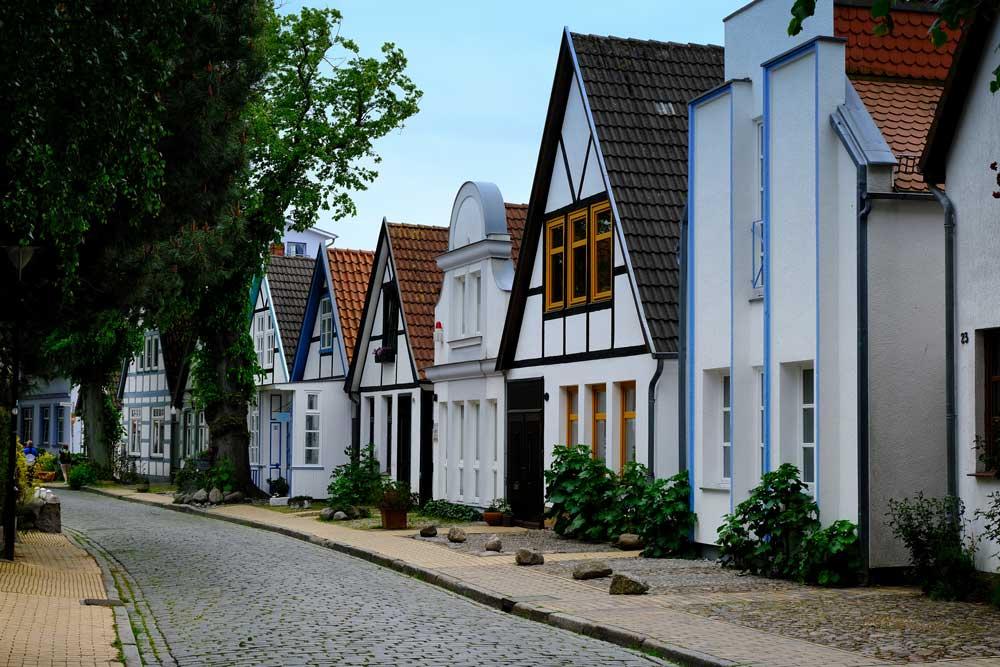 fishermen's cottages on Alexandrienstrasse, Warnemünde